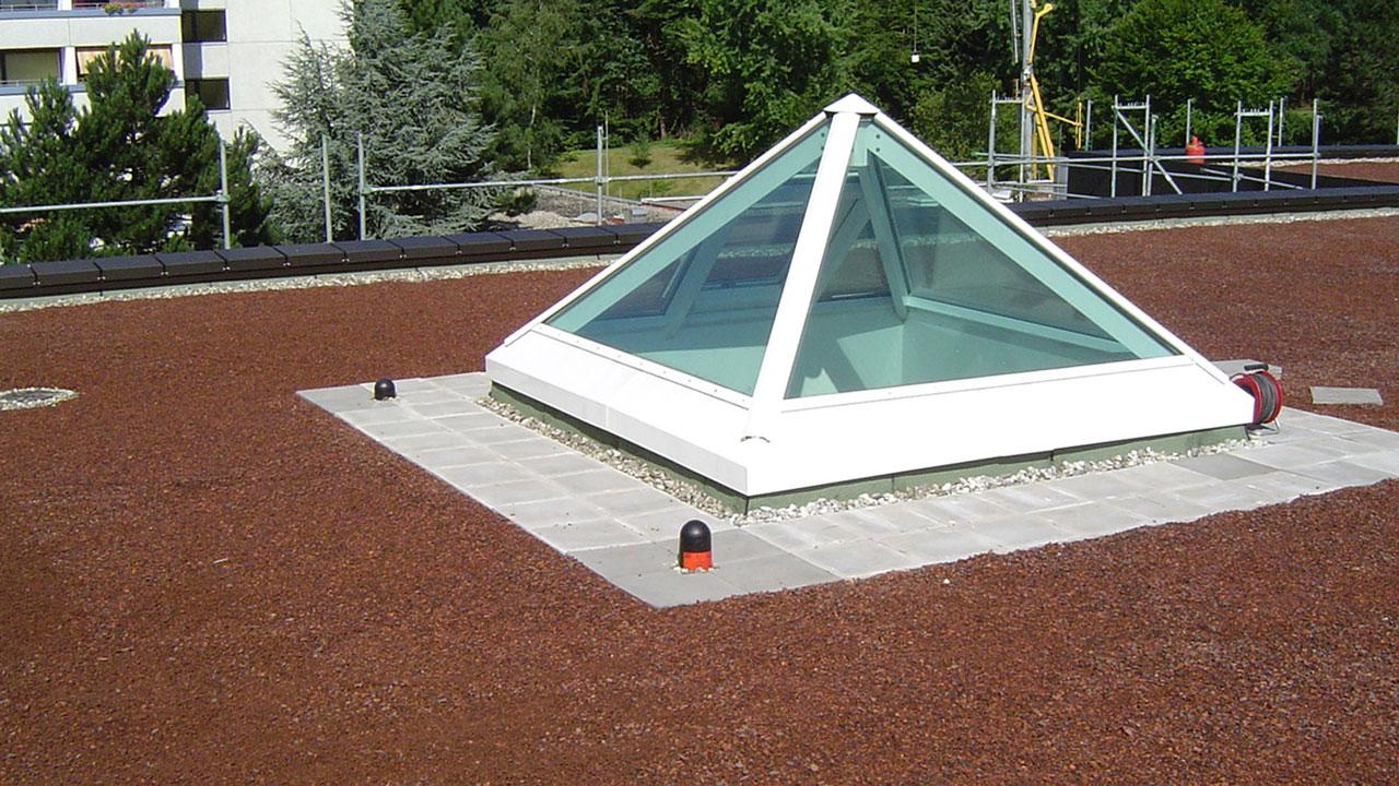 Dachdecker Lichtkuppel Flachdach
